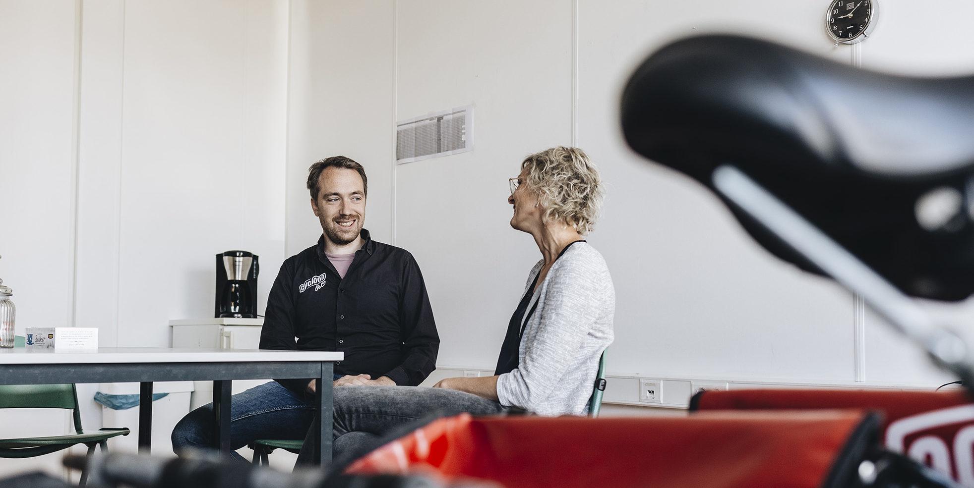 Chantal van Leeuwen en Pieter Harkink in gesprek